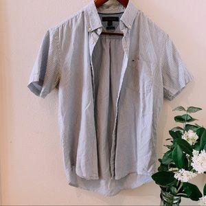 🌻 3/$25 🌻 Tommy Hilfiger Button Down Shirt 🌿